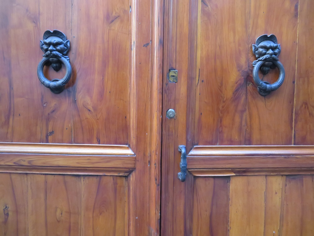 Doorknockers