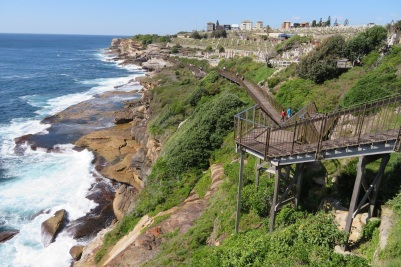 Boardwalk along the cliffs towards Waverley Cemetery