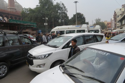 An Indian traffic jam and chaos in the streets of Delhi