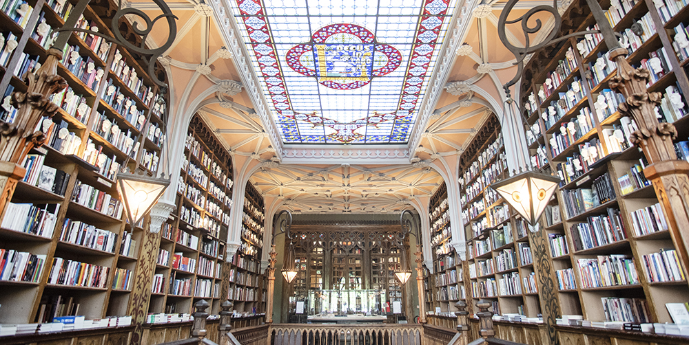 livraria lello bookstore porto portugal