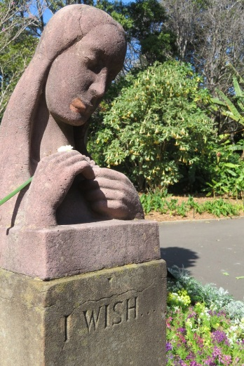 I wish statue in the Royal Botanic Gardens Sydney