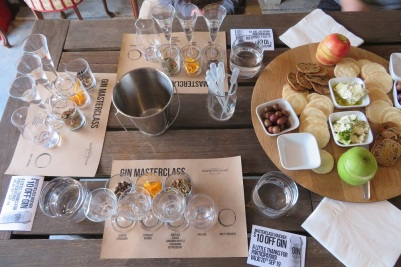 Tasting gin in Mudgee with fruit and cheese