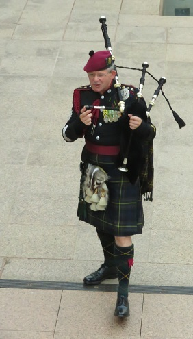 A bagpiper at the Australian War Memorial