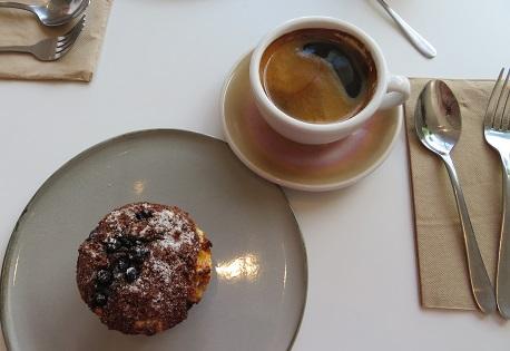 Coffee and cake at Diggies Kiama