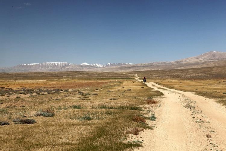 Pamir Plateau in Tajikistan. Source: @Cycling Silk on Facebook